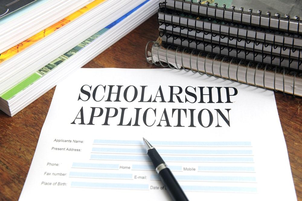 college scholarship applicatio