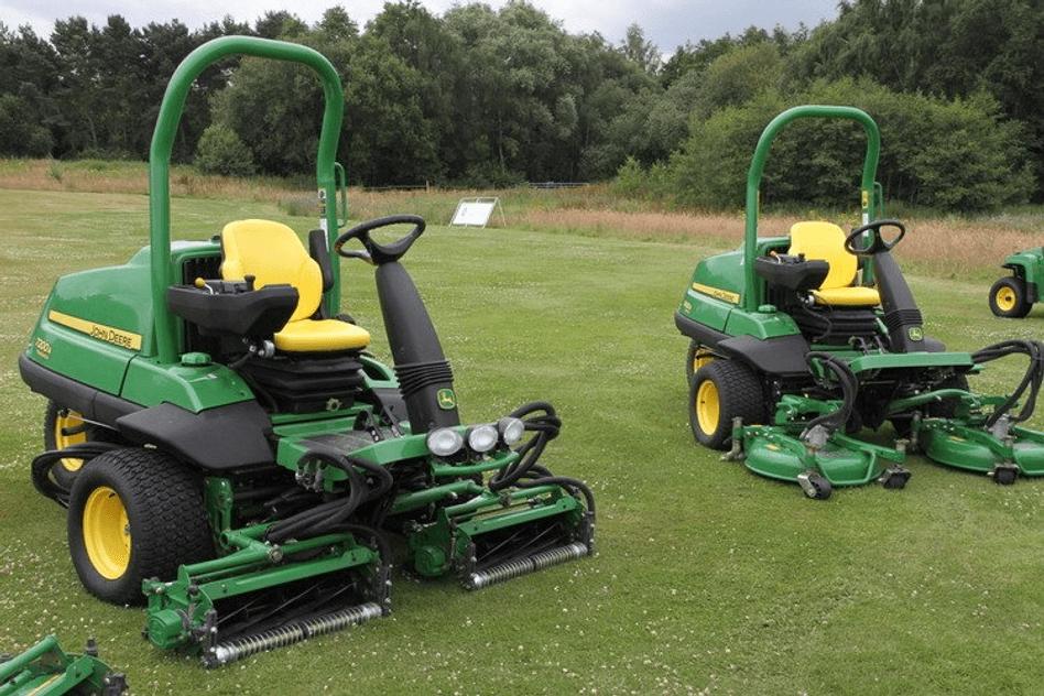 John Deere golf mowers
